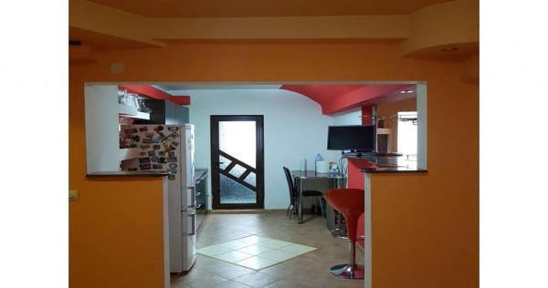 Apartament 3 camere Piata Mioritei