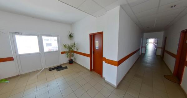 Inchiriem birou 15 mp la etaj in Aradul Nou