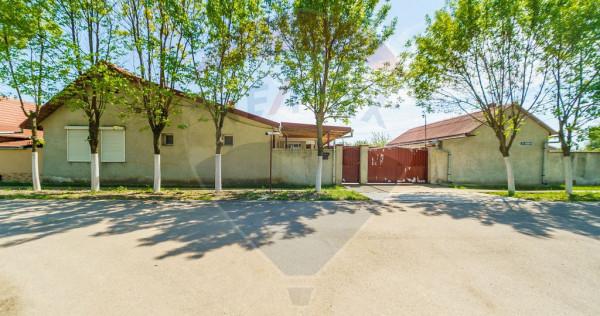 2 case de vanzare intr-o curte în Nadab, Arad,2 garaje ,...