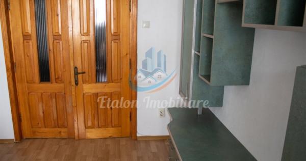 Apartament 4 Camere 85mp Et 1 Floare de Colt Piatra Neamt