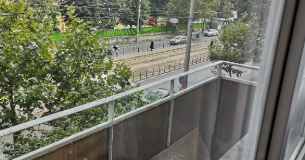 Apartament 2 camere,metrou Eroii Revolutiei-3 minute,mobilat