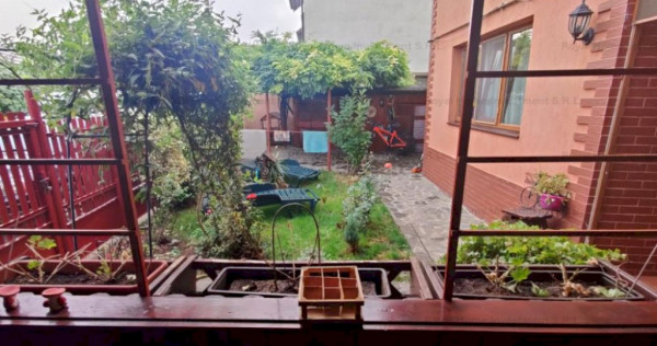 Nou | Vila Rustica cu 4 camere | Curte splendida | Zona Scol