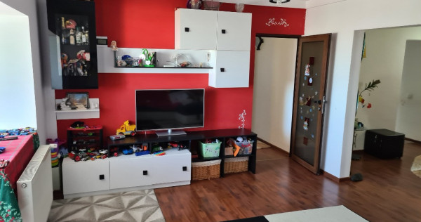 Apartament 3 camere zona Vlaicu