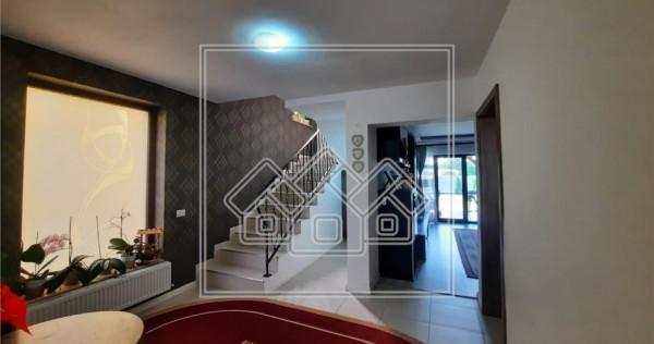 Casa tip duplex - 119 mp utili - gradina si terasa - zona Ce