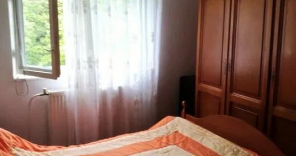 Apartament 68 mp, 3 camere, 2 bai. Central