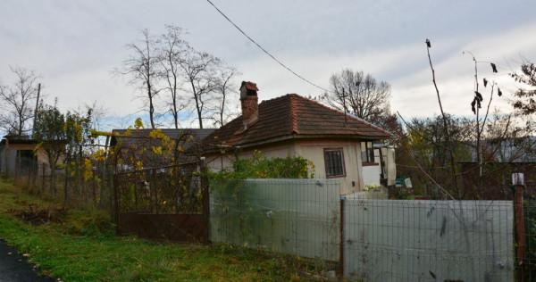 Casa si teren Strada Ciresilor Noaptes