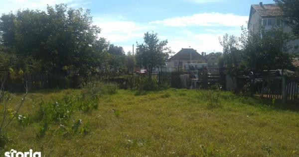 Teren intre case, central la 15 km de Brasov