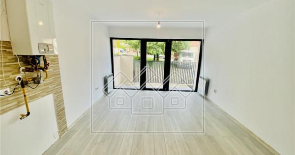 Ap.la casa cu 3 camere, terasa si gradin de 80 mp / Trei Ste