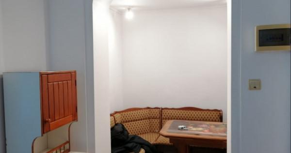 Apartament 2 camere la casă zona Sindicate Laurian