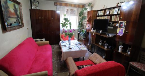 Apartament 2 camere în Hunedoara, cu garaj, zona Potcoavă-OM