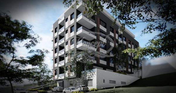 Apartament cu 3 camere si terasa, zona VIVO