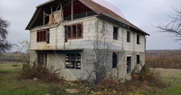 Casa cu teren de vanzare, posibilitati de pensiune