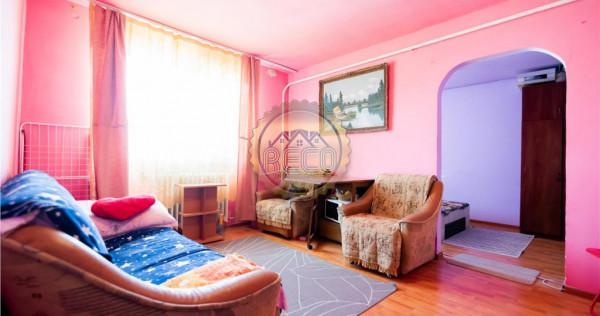 Apartament cu 2 camere,semidecomandat,Cartier Rogerius,Orade
