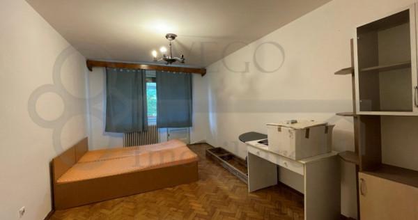 Apartament 3 camere decomandat, zona Centrala, Republicii
