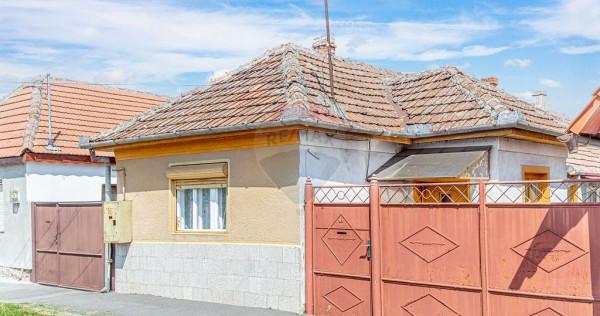 Casă cu 3 camere de vânzare în zona Sannicolau Mic