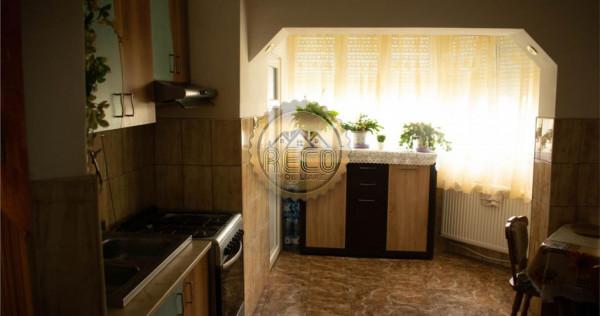 Apartament cu 4 camere,langa Scoala Generala nr. 18,Oradea,z