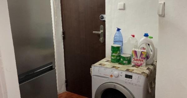 Apartament 3 camere trivale etaj 3/4 îmbunătățit semimobilat