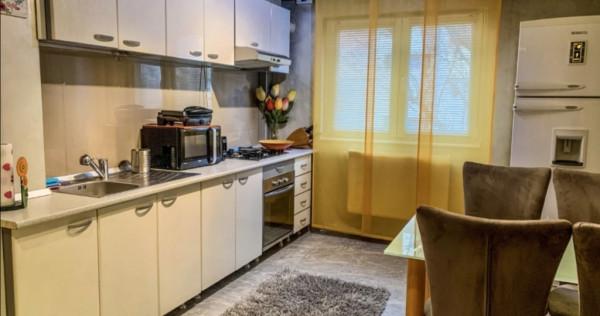 Apartament cu 2 camere, etaj 1, Cetate-Piață