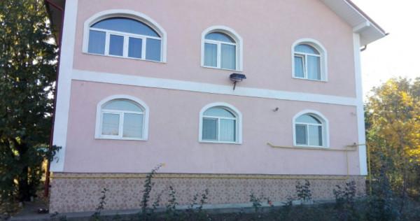 Casa cu 8 camere D,310 mp,zona Platoul Insorit, Galata