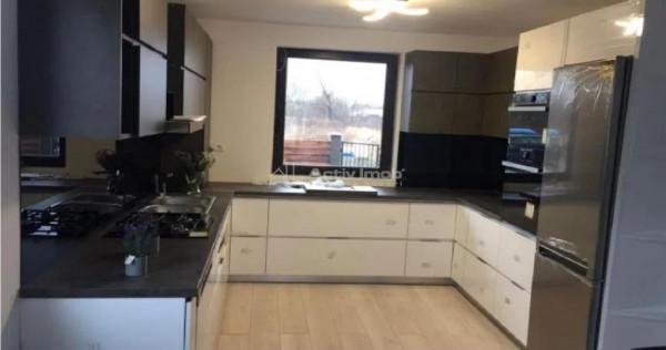 Casa/Vila 4 camere,2 bai,P E, 300 mp teren- Stupini Brasov