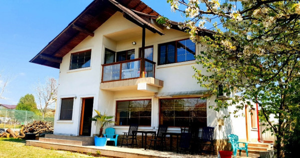 Casa noua P+E in Campina,cartier Voila,4 camere,700 mp teren
