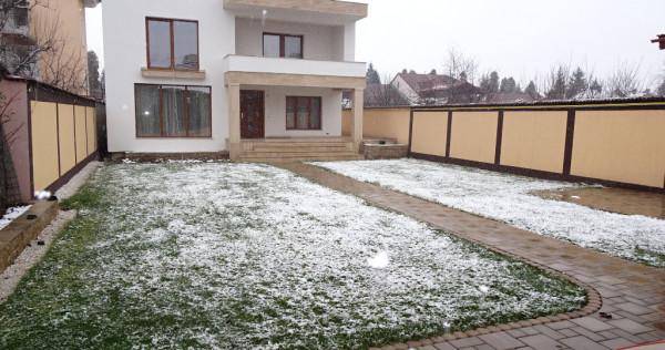 Imobil in Deva, zona centrala, compus din 2 CASE DE LOCUIT