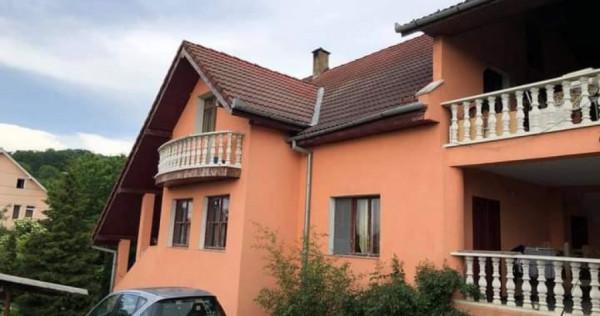 Casa, Vila peste Podul Budacului