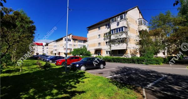 Apartament cu 3 camere decomandate 2 bai si 2 balcoane