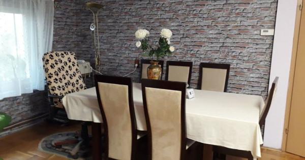 Apartament in casa de 5 camere in Manastur pe Tasnad!