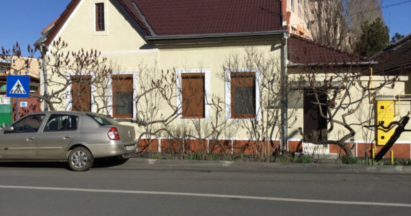 Casa complect amenajată Arad zona u.t.a.-Vlaicu