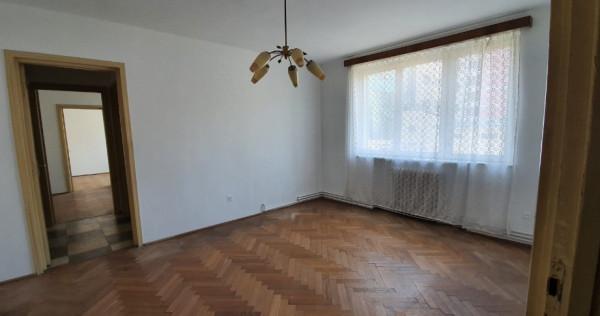 Apartament 3 camere, zona CEC, str Harmanului