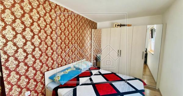 Apartament cu 3 camere si gradina 42 mp - Calea Cisnadiei