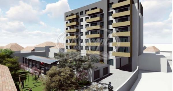 Apartament cu 3 camere in zona semicentrala