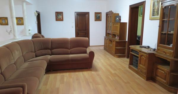 Apartament 5 camere amenajat - Zona Maiakowski