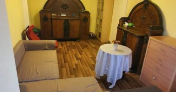 Apartement 2 Camere, zona Medicina, Decomandat, Etajul 1