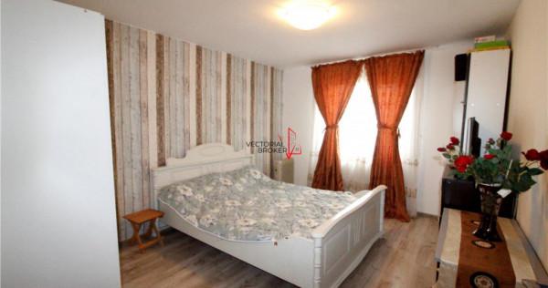 Casa cu 5 camere in Dobroesti
