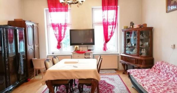 PF Casa cu 2 camere, garaj, gradina, zona Andrei Muresanu