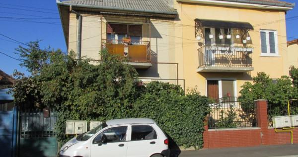 Casa P+1 in duplex Satu Mare str Argesului in loc de apart
