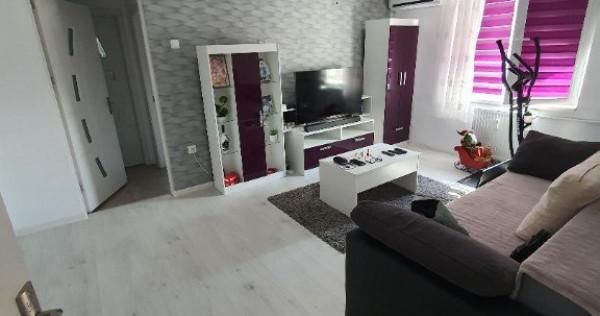 Apartament 2 camere, zona Sud, strada M. Eminescu