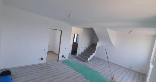 Casa Parter+Etaj+Pod depozitare - GATA MUTARE - Toate utilit