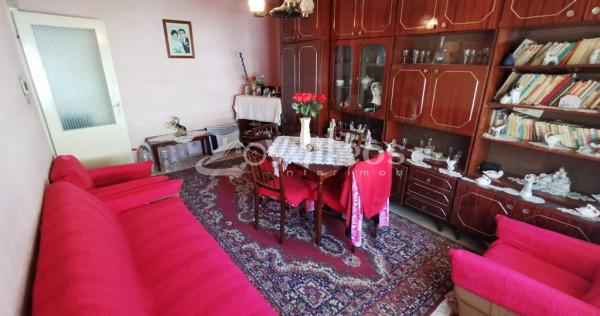Reșița, ap. 4 camere, conf. 1, decomandat, etaj 2, Govandari