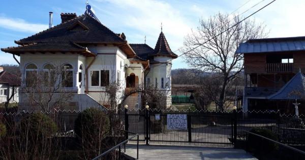 Casa/Vila Campulung (comuna Valea Mare Pravat)