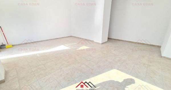 Spatiu comercial ultracentral, Poiana Campina, 46 mp, 350 E