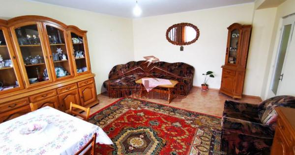 Apartament decomandat cu 3 camere, 2 bai in Fagaras- Camp...