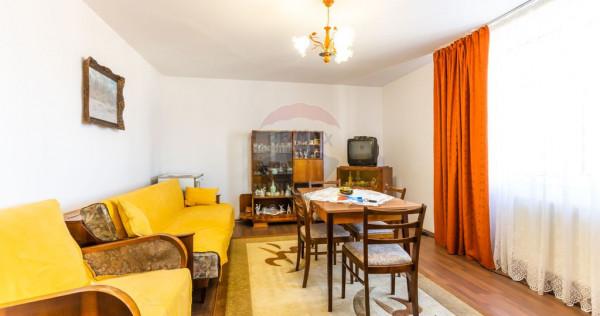 Apartament cu 3 camere de vânzare, zona Sud