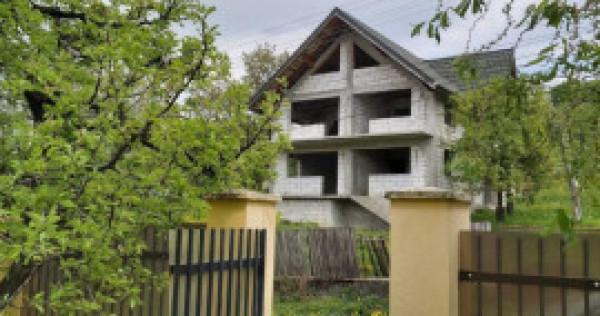 Casa la rosu plus teren Gemenea Bratulesti, Dambovita