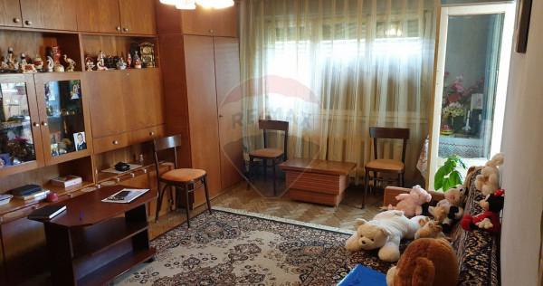 Apartament cu 3 camere de vânzare în zona Rogerius