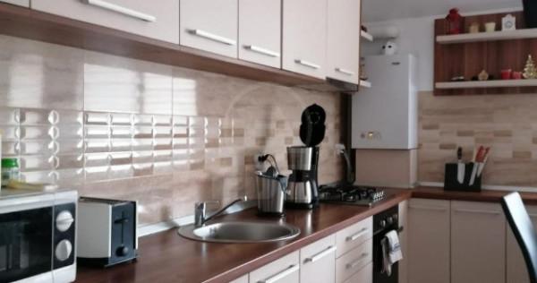 Apartament 2 camere, centru Floresti langa cafenea District