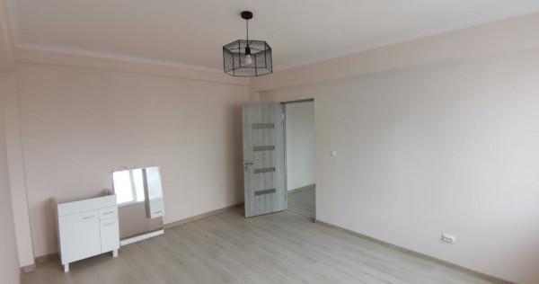 Apartament doua camere, etaj trei, renovat, liber, central