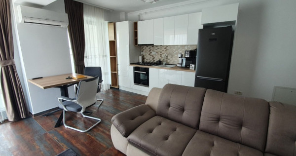 Mamaia -bloc nou- Apartament lux, 3 camere decomandate, vede